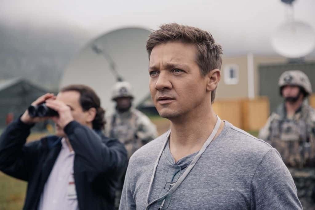 Jeremy Renner ako Ian Connelly