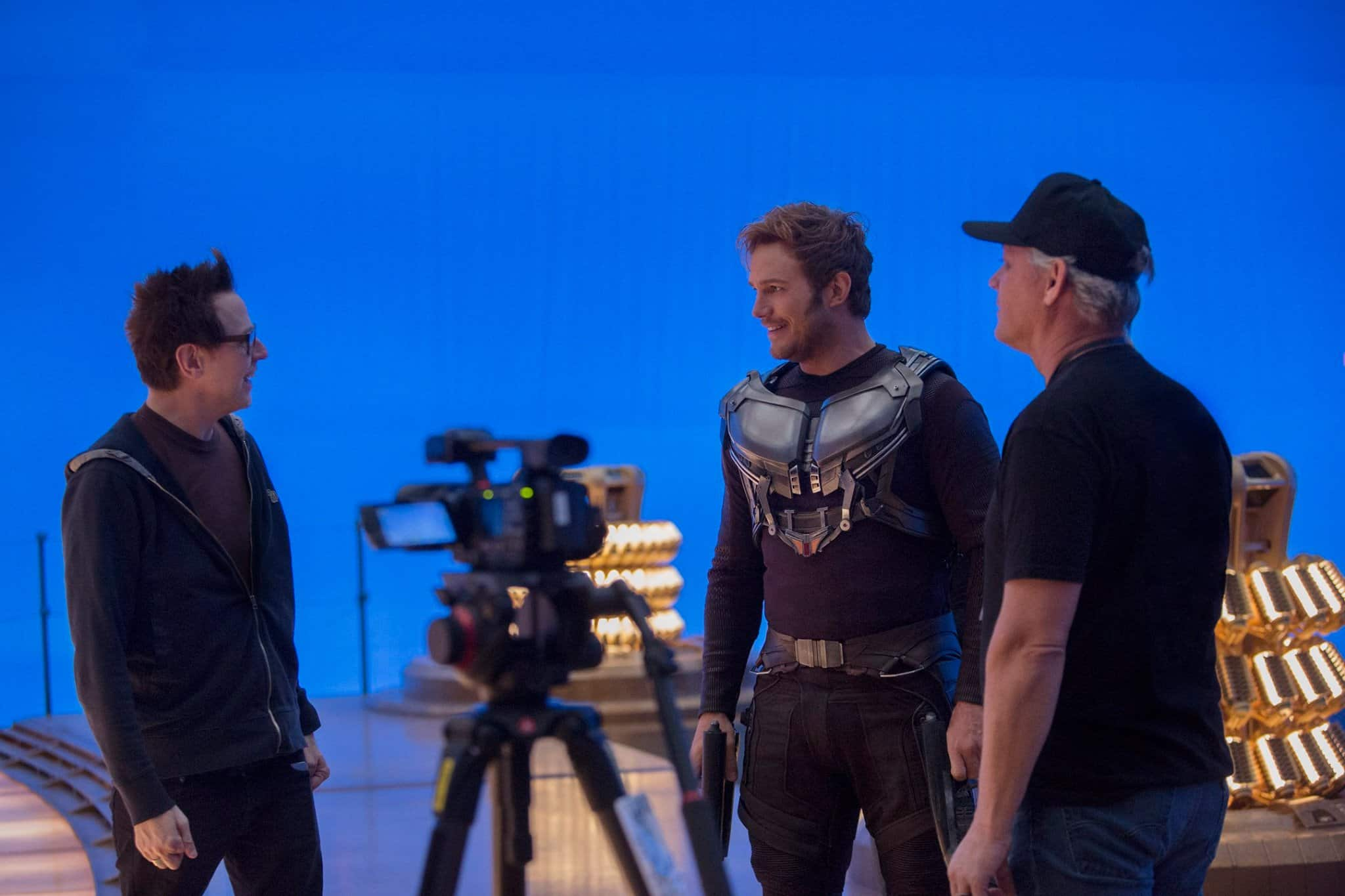 Režisér James Gunn (vľavo) a predstaviteľ Starlorda, Chris Pratt