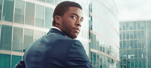 Chadwick Boseman ako Black Panther v Captain America: Civil War