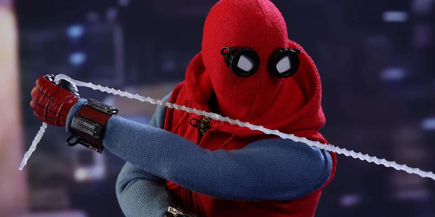 """Figúrka od Hot Toys ukazujúca Spideyho """"Vigilante suit"""""""